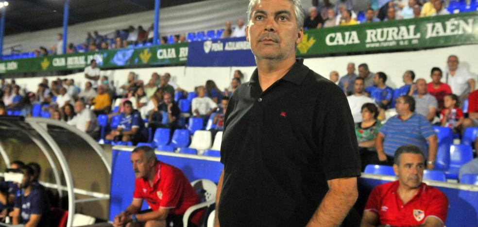 Aguado pide apoyo a la afición ante los dos partidos seguidos del Linares en Linarejos