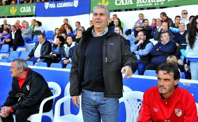 El Linares cesa a Joseba Aguado tras un arranque de liga irregular