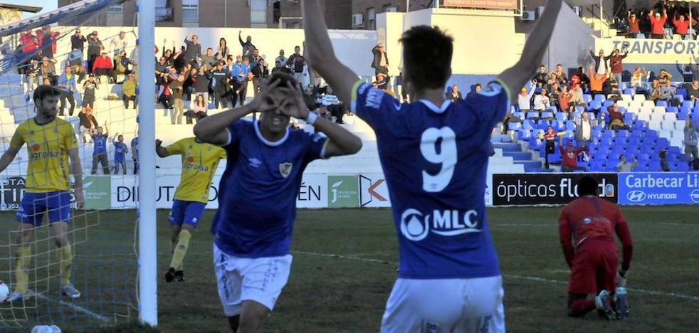 Linares y Huétor Tájar regalaron un gran duelo pero el punto sabe a poco
