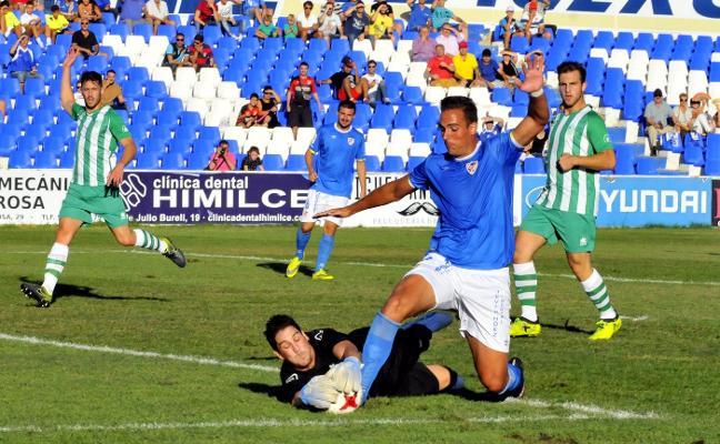Javi López abandona el Linares y deja una ficha libre para firmar un pivote