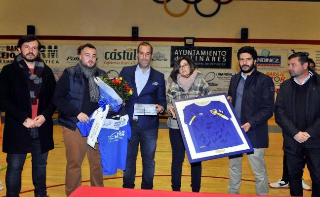 Linares Deportivo y Linares Futsal se unieron para recordar a Popi Juan