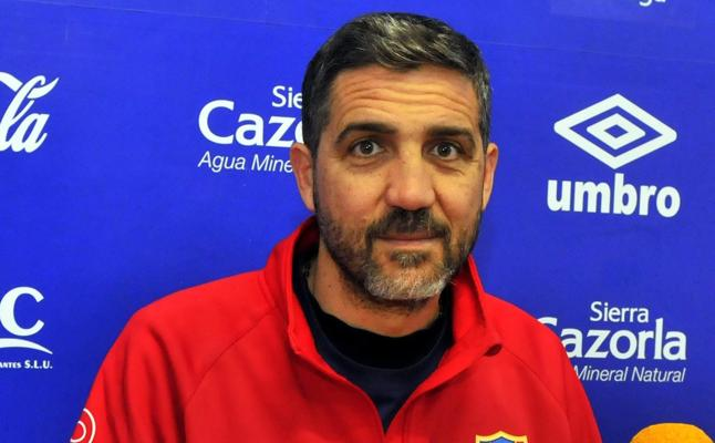 Molina: «El que más se la está jugando es el Real Jaén»