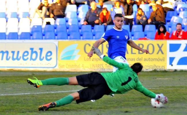 Jaime Molina: «Nos enfrentamos a un Guadix superdefensivo, los once por detrás del balón»