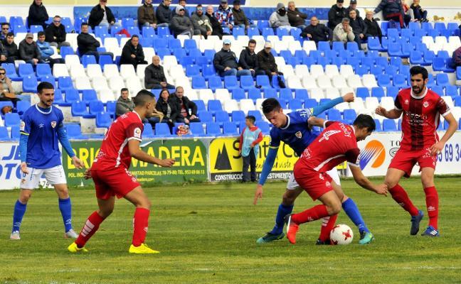 Un Linares 'cogido con pinzas' recibe al Atlético Malagueño