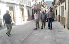 El Ayuntamiento concluye la mejora de varias calles del Barrio Alto lojeño