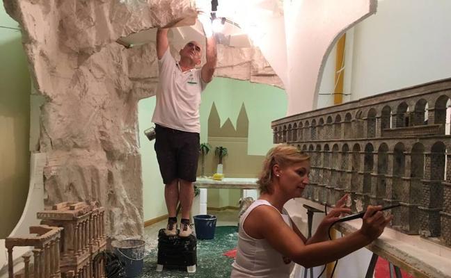 El Belén Monumental de Huétor Tájar empieza a cobrar forma en pleno agosto