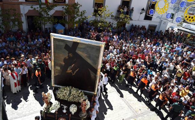 Miles de romeros y turistas reafirman un 5 de octubre más la tradición del Cristo de Moclín
