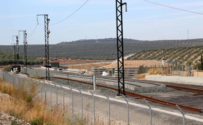 Fomento avanza en la adaptación de viaductos y túneles para el paso del AVE en Loja