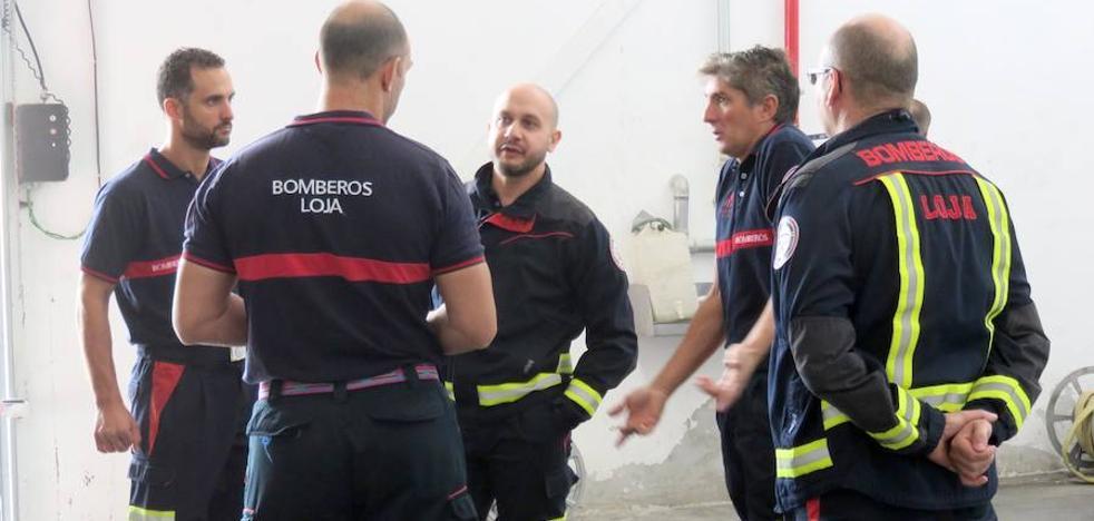 Los bomberos de Loja atienden varios desprendimientos y patios inundados