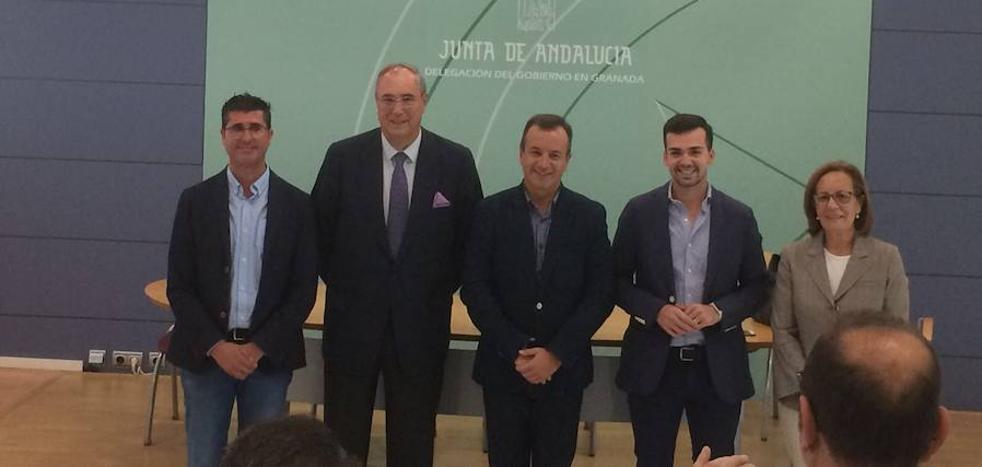 El Ayuntamiento de Loja y la Junta renuevan el acuerdo que garantiza alimentos a los lojeños con menos recursos