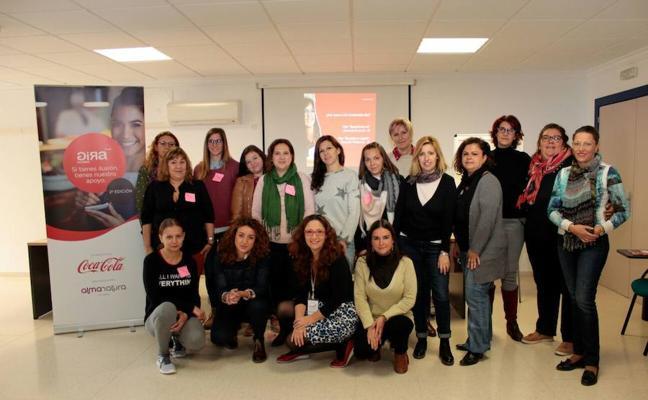 Mujeres del Poniente participan en un taller de emprendimiento