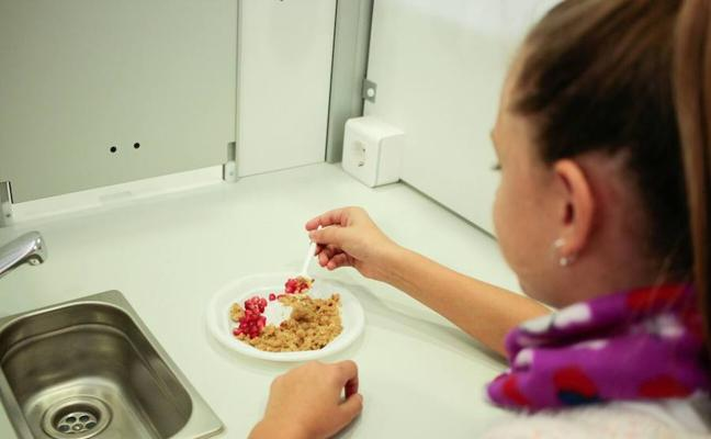 Un centenar de escolares hueteños aprenden a valorar la cocina saludable