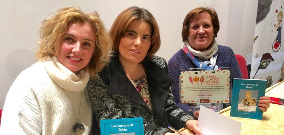 Belén Fuentes, una joven con síndrome de Asperger, presenta su primer libro de cuentos