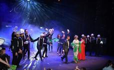 Una veintena de conocidos lojeños se convierten en 'estrellas' de la canción para colaborar con la AECC