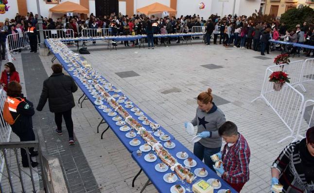Huétor Tájar repite un año más su roscón de Reyes gigante