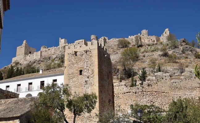 Moclín promocionará su ruta de fortalezas y torres defensivas ante el mercado turístico internacional