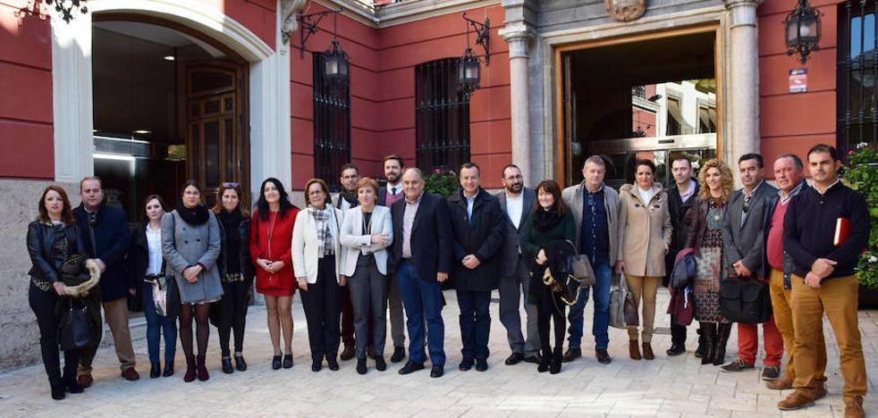 """La Junta da """"prioridad"""" a la agricultura, la actividad industrial y las políticas sociales en el Poniente granadino"""