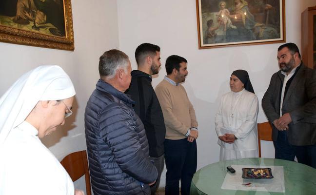 Las hermanas del Buen Samaritano reciben cerca de 1.500 euros de varias actividades navideñas