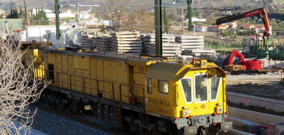 Los trenes se 'prueban' de nuevo por Loja