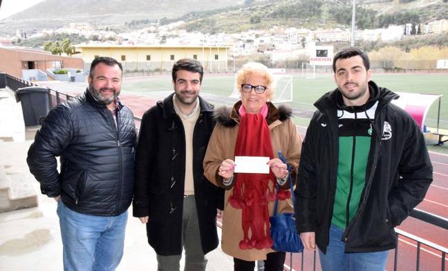 El club Rugby Loja consigue más de 1.000 euros para la lucha contra el cáncer