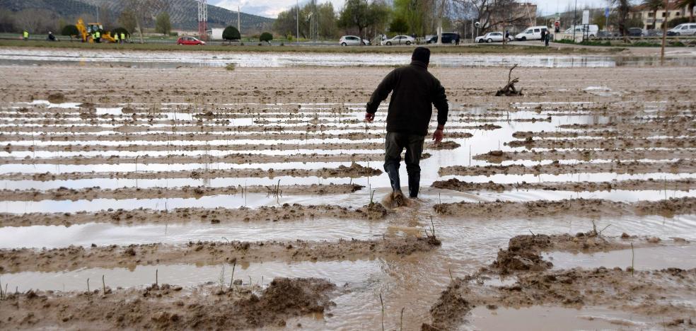 Del alivio de la lluvia al dolor de la inundación en Huétor Tájar