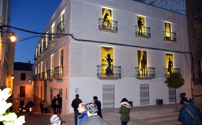 La Casa del Marqués reestrena fachada tras quince años cubierta de andamios