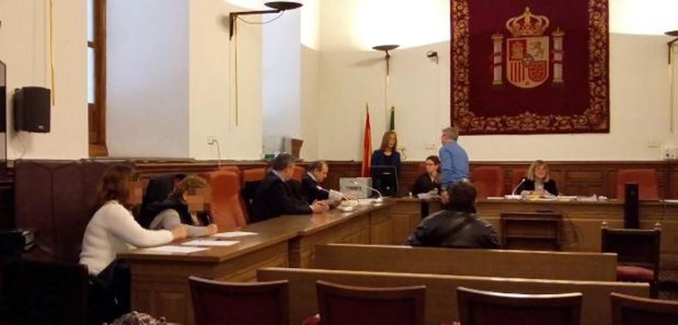 Absuelto el agente de la Policía Local de Loja acusado de quedarse con el dinero de una multa