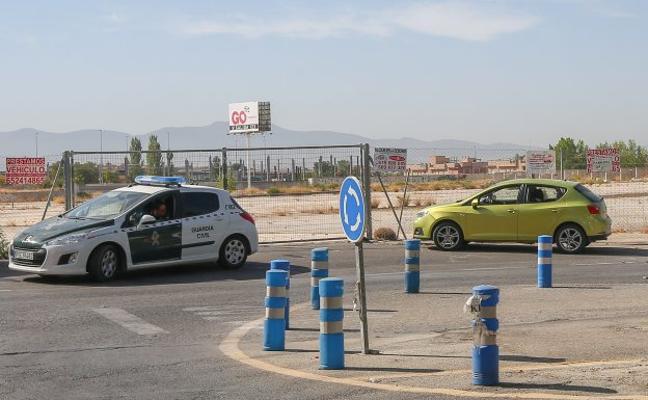 Los atracadores detenidos en Maracena maniataron a sus víctimas para robarles 500 euros