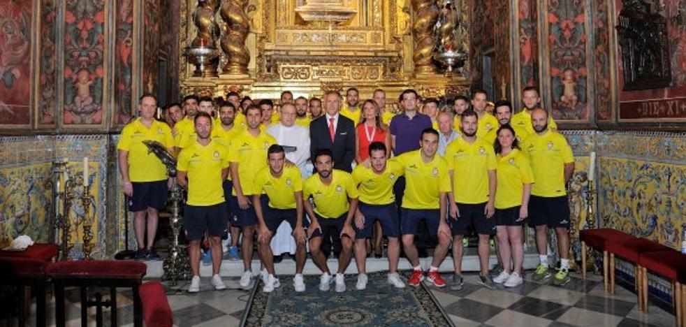 El Real Jaén presenta una plantilla renovada