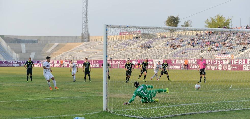 El Real Jaén necesita gol