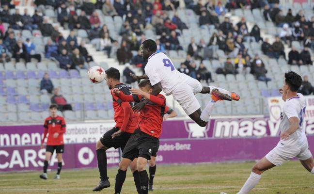 El Real Jaén busca cerrar la primera vuelta con un triunfo ante su afición