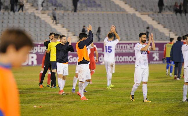 El Real Jaén vuelve a ganar y acaba el año segundo (1-0)