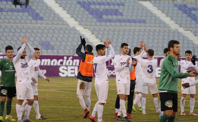 El Real Jaén seguirá reforzándose en el mercado con un mínimo de dos futbolistas