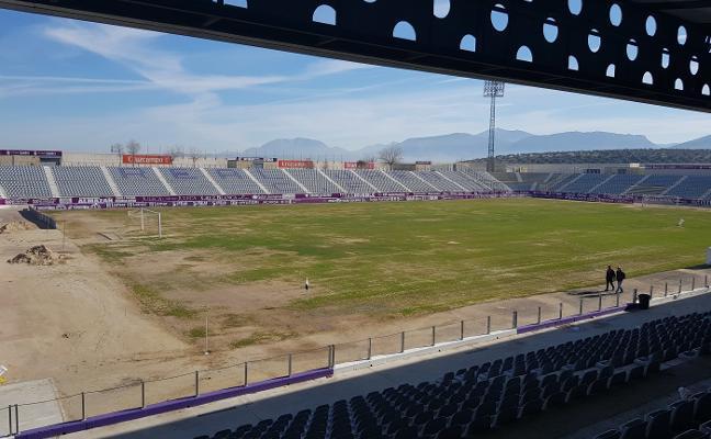 El Real Jaén estrenará el 'nuevo tapete' de La Victoria frente al Antequera CF de Aybar