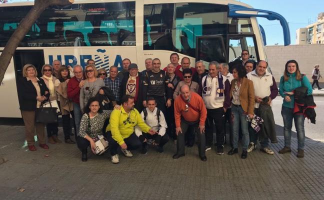 Autobuses gratuitos para el partido en Linares fletados por la Federación de Peñas