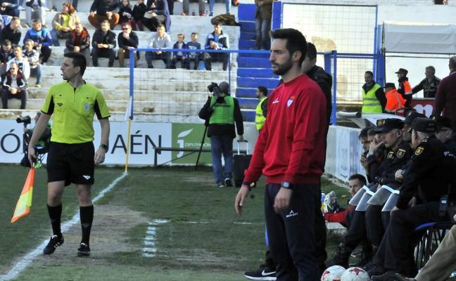 El Real Jaén sigue buscando entrenador