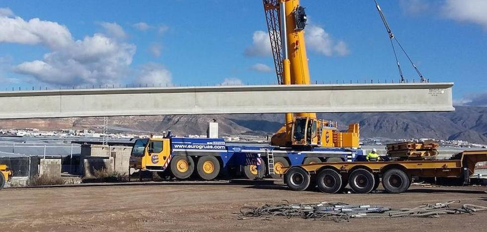 El tramo de la variante de Roquetas que conecta con la carretera a La Mojonera se abrirá a mediados de julio