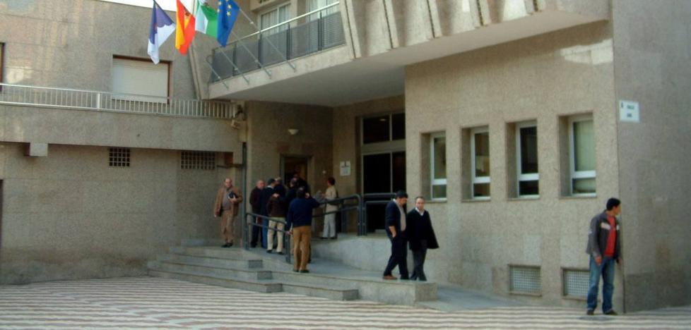 La Guardia Civil saca a la luz más de medio millar de empadronamientos fraudulentos en Roquetas