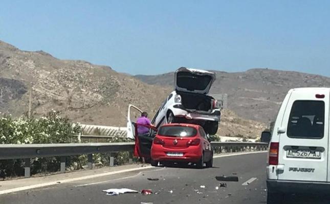 Aparatoso accidente en la A-7