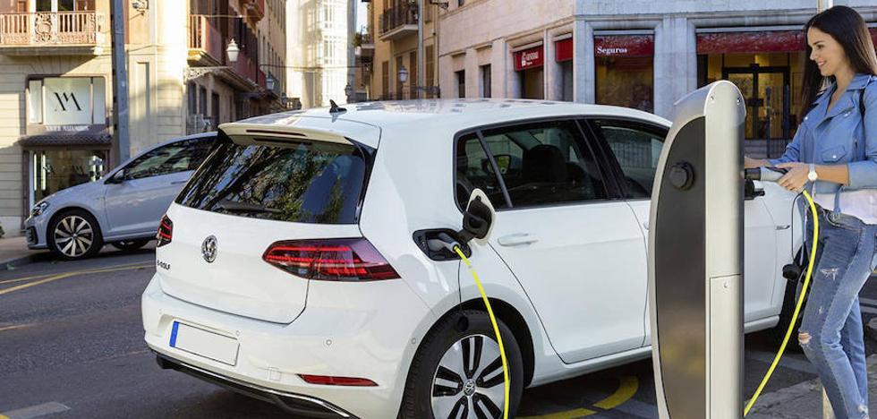 El PSOE reclama al Ayuntamiento una apuesta por vehículos eléctricos e híbridos
