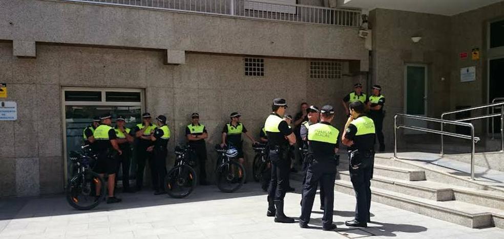 El Ayuntamiento de Roquetas espera incorporar entre 15 y 17 policías «a medio plazo»