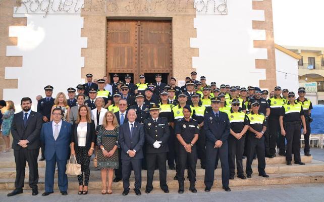 Amat defiende las cifras actuales de agentes de la Policía Local en su acto de homenaje