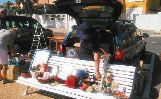 Vecinos de La Urbanización celebraron un nueva edición del 'Car Boot Sale'