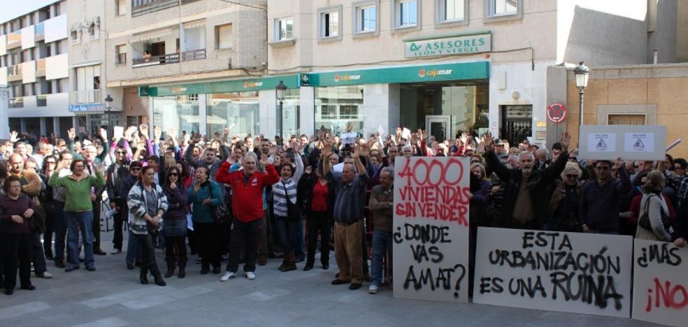 El proyecto de urbanización de Las Salinas moviliza a casi una docena de colectivos