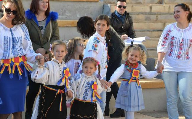 La comunidad rumana celebró su Día Nacional con una fiesta en El Puerto