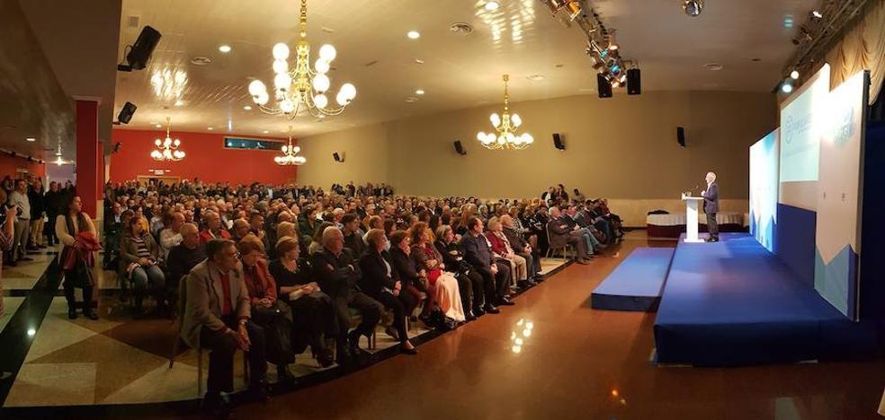 Un millar de personas en el encuentro navideño del PP de Roquetas
