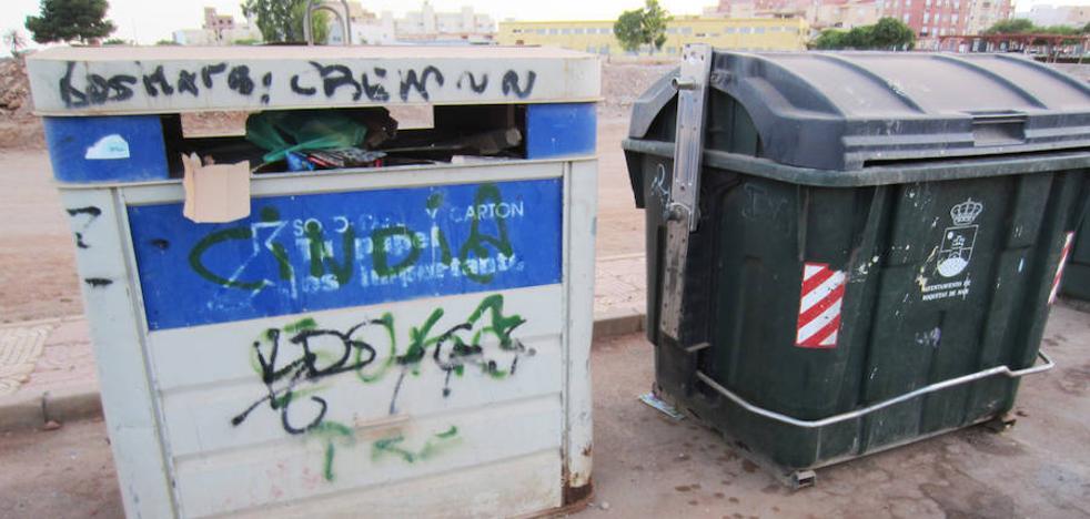 IU reclama una solución al problema del contrato de basuras suspendido