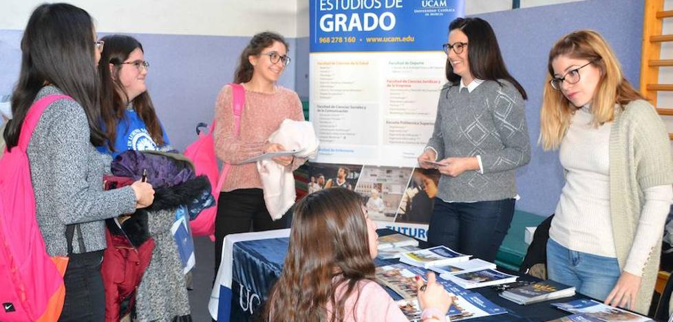 El colegio Portocarrero orientó a sus estudiantes sobre su futuro universitario