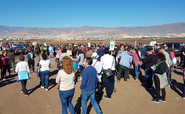 Masiva movilización para pedir el BIC para Las Salinas y contra los planes de Amat
