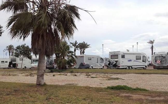 El PSOE exige la puesta en marcha de la ordenanza de autocaravanas